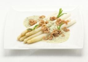 Asperges met grijze garnalen en crèmesaus van dille