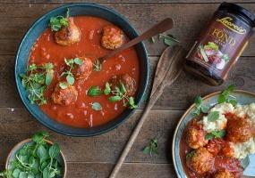 Balletjes in tomatensaus met puree