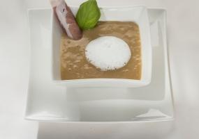 Cappuccino van aardappel en truffelschuim