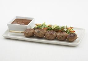 Kebab van wild met zoetzure saus