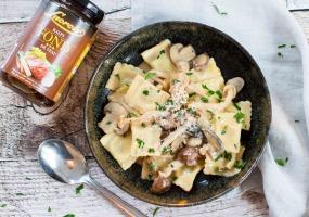 Ravioli met champignonroomsaus
