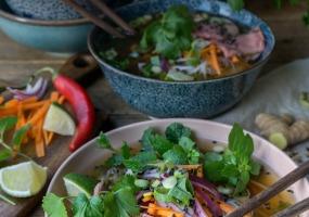 Vietnamese Pho met rosbief