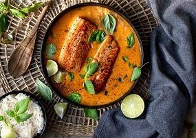 Zalm in curry met rijst